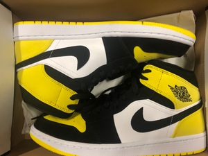 Air Jordan 1 Yellow Toe Mid 10.5 for Sale in Nashville, TN