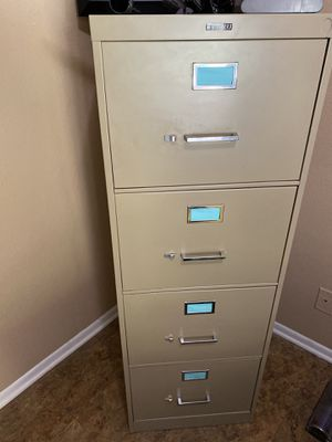 Tall file cabinet 4 drawer for Sale in West Covina, CA