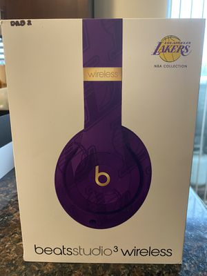 RARE Lakers Beats by Dre for Sale in Oak Harbor, WA