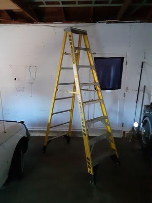 Werner 8' - 375 lb capacity fiberglass ladder for Sale in Fairfield, CA