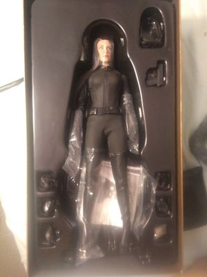 Hot Toys Figure Catwoman The Dark Knight Rises for Sale in Monterey Park, CA