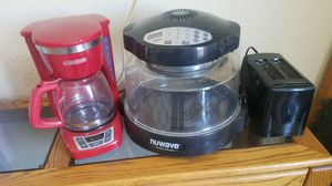 Kitchen appliances need gone ! All for 15 for Sale in Santa Ana, CA