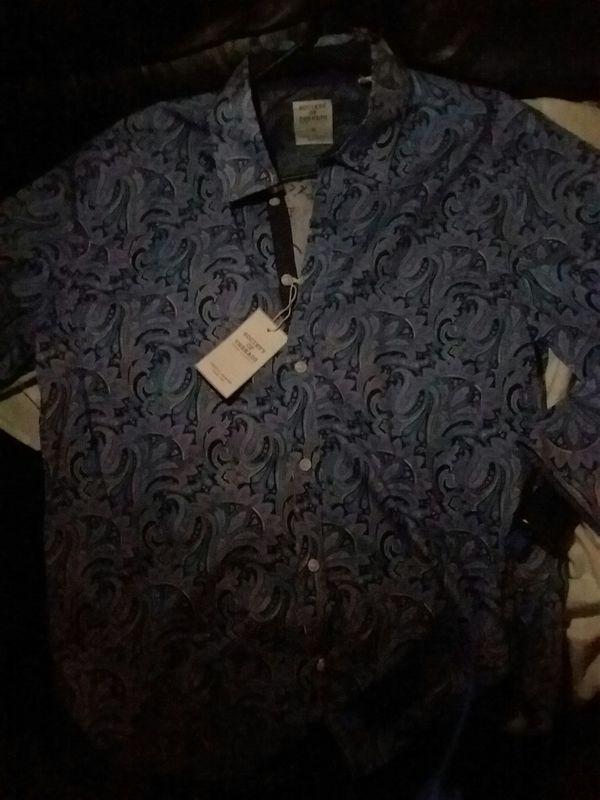 Men's dress shirt size medium