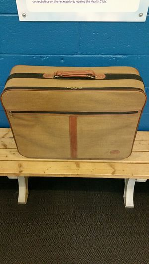 """26"""" LIGHTWEIGHT Wheeled Luggage - firm price. for Sale in Arlington, VA"""