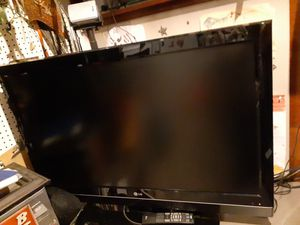 "LG 42"" LCD TV for Sale in Pembroke Pines, FL"
