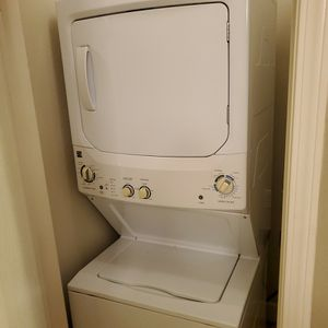 Kenmore Stackable Washer Dryer Free Needs Work for Sale in Tracy, CA