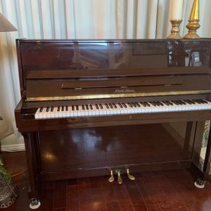 Pearl River piano with Bench for Sale in Long Beach, CA