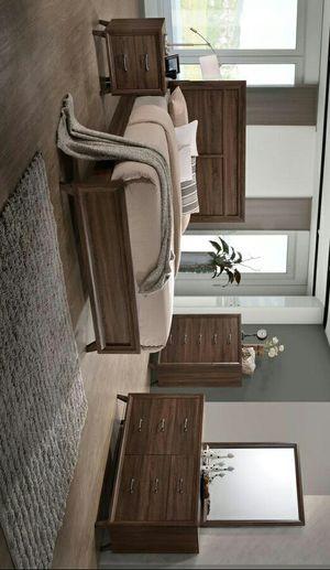 [Wood Solids and Veneer] Heber Brown Queen Panel Bedroom Set  ask king size bedroom set for Sale in Tyler, TX