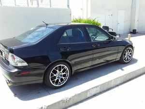 Testing water not in ahurry to sell it2001 is300 automatic for Sale in Long Beach, CA