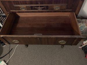 Antique dresser for Sale in Fresno, CA