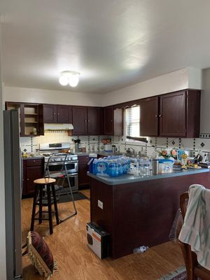Kitchen cabinets and countertop for Sale in Bolingbrook, IL
