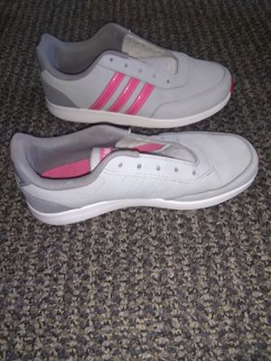 Adidas Women Shoe Size 5 for Sale in Chandler, AZ
