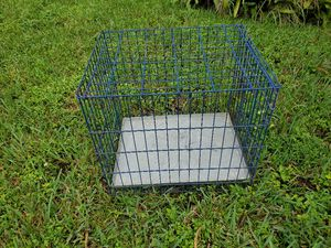 "Small Dog Metal Crate / Cage 19"" W 20 H X 24"" D for Sale in Miami, FL"