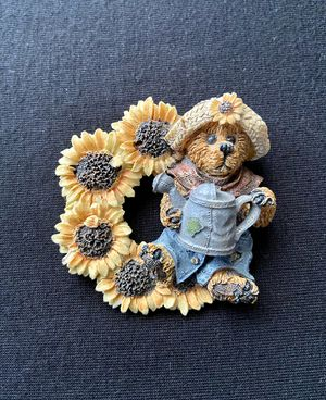 Vintage Boyds Bears Sunflower and Watering Can Brooch for Sale in Williamsport, PA
