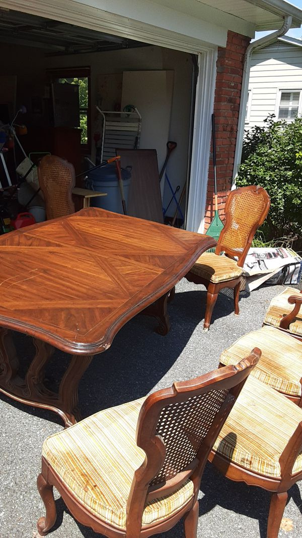 Antique Table and chair set, 6 Chairs with cane backs