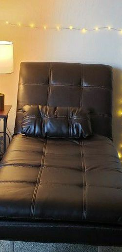 Convertible Brown Leather Chaise With USB Plug for Sale in Hayward,  CA
