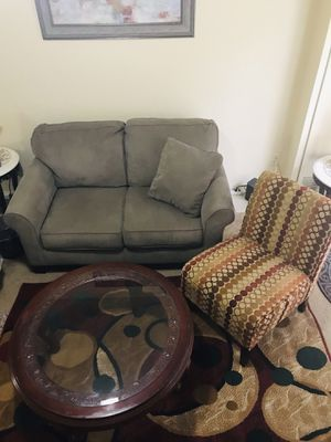 "Living room set 4 pc a sofa , chair , coffee table and 5x7"" rug smoke pet free home pick up in Gaithersburg md20877 for Sale in Gaithersburg, MD"
