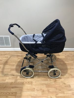PegPerego baby carriage/bassinet, used, in good condition for Sale in Fairfax, VA