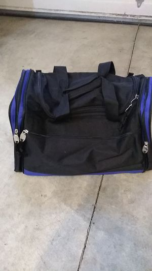 Small clean duffle bag + extra straps for Sale in Wilsonville, OR