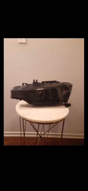 BMW 3 series Driver Side Headlight for Sale in Los Angeles, CA