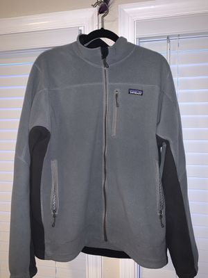 Patagonia R3 Jacket Sz L for Sale in Virginia Beach, VA