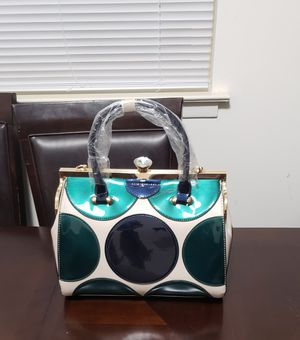 Hand bags for Sale in Hainesport, NJ