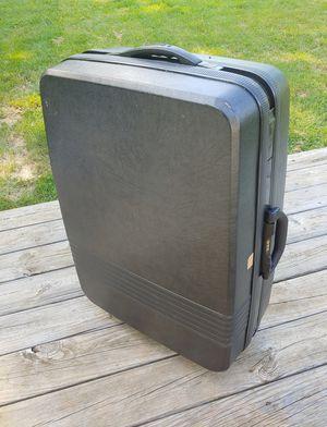 Samsonite Clamshell Rolling Suitcase Black for Sale in Charlottesville, VA