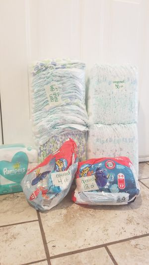 Reduced! 132 Size 6 diapers (some swim) and wipes for Sale in Saint Paul, MN