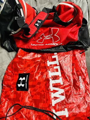 Underarmour red medium duffle and drawstring bag for Sale in Edgewood, WA