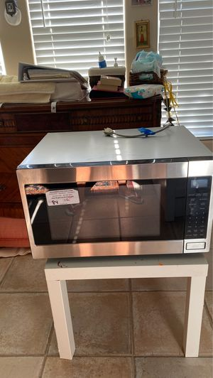 Microwave new 100$ for Sale in Fort Lauderdale, FL