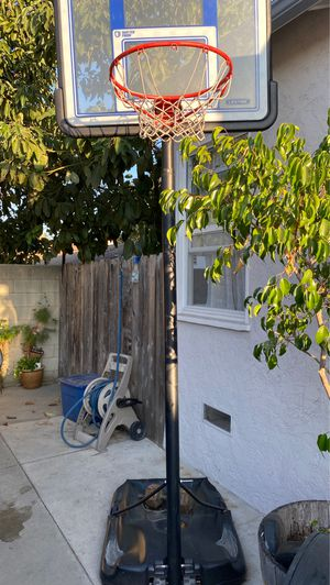 Basketball hoop for Sale in Baldwin Park, CA