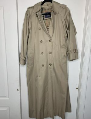 Burberry Women's Trench Coat Size 8 xxL for Sale in Lakewood Township, NJ