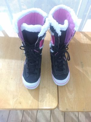 Girls Nike boots sz4 youth for Sale in Tampa, FL