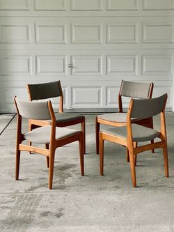 Mid Century Dining Chairs by D-Scan (set of 4) for Sale in Mountlake Terrace,  WA