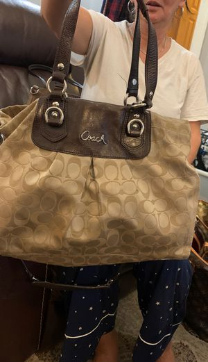 Coach bag for Sale in Brooklyn, NY