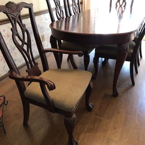 Claw Foot Dining Room Set for Sale in Lilburn, GA