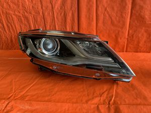 OEM 2019 19 LINCOLN MKC PASSENGER RIGHT HEADLIGHT HEADLAMP for Sale in Pembroke Pines, FL
