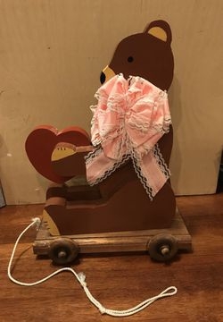 Cute! Adorable ! All wooden Bear 🐻 pull toy. for Sale in Gainesville,  VA