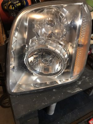 2008 Yukon xl Headlights for Sale in Wichita, KS