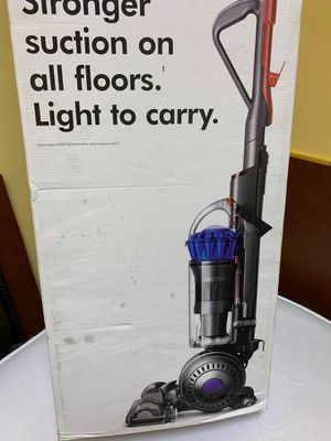 Dyson Light Ball Multifloor Bagless Upright Vacuum for Sale in Raleigh, NC