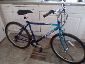 Beautiful blue trek bike exellent condition for Sale in Nashville, TN