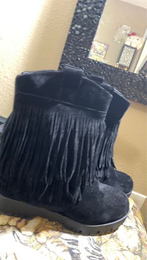 Black Fringe (Suede type material) size 9 for Sale in McAllen, TX