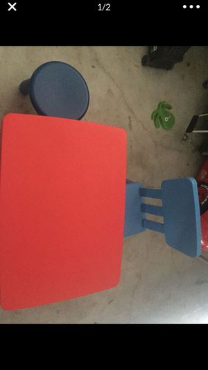 Table and chairs for kids for Sale in Hollywood, FL