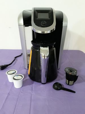 Keurig k350 2.0 with carafe for Sale in Miami, FL