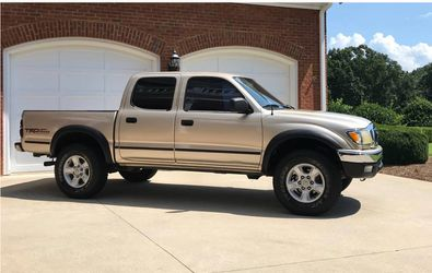 Excellent condition.2001 Toyota Tacoma AWDWheelsss Cruise control🍀Wonderful30 for Sale in North Providence,  RI