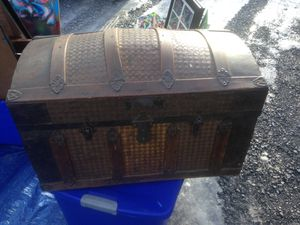 Antique Chest!! 1900's ? for Sale in Martinsburg, WV