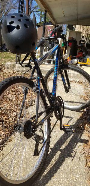 RoadMaster Mountain Bike & Helmet for Sale in Silver Spring, MD