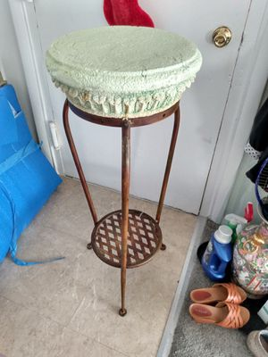 "Tall plant stand plaster top 40"" for Sale in Alexandria, VA"