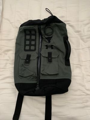 Under Armour Project Rock 60 Duffle Bag Back Pack Green for Sale in Edmonds, WA