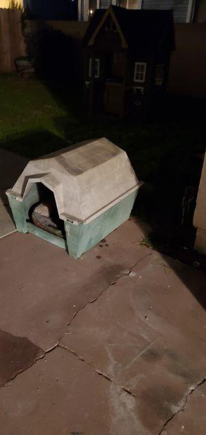 Dog house for Sale in Gardena, CA